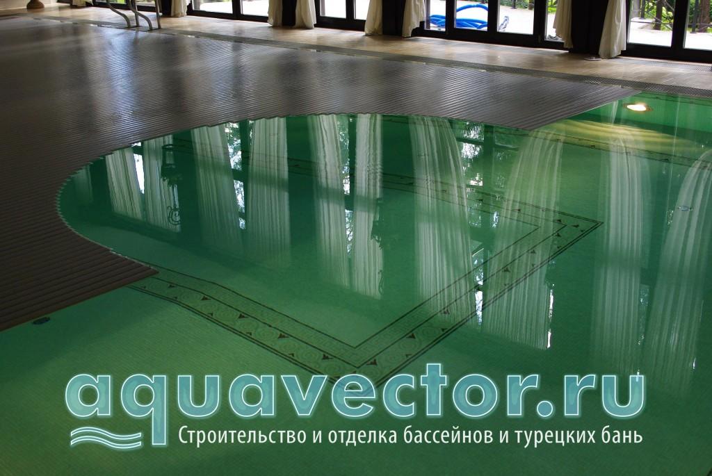 Сматывается жалюзийное покрытие в бассейне за считаные минуты