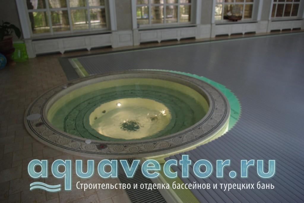 Сматывающее устройсво в переливном бассейне