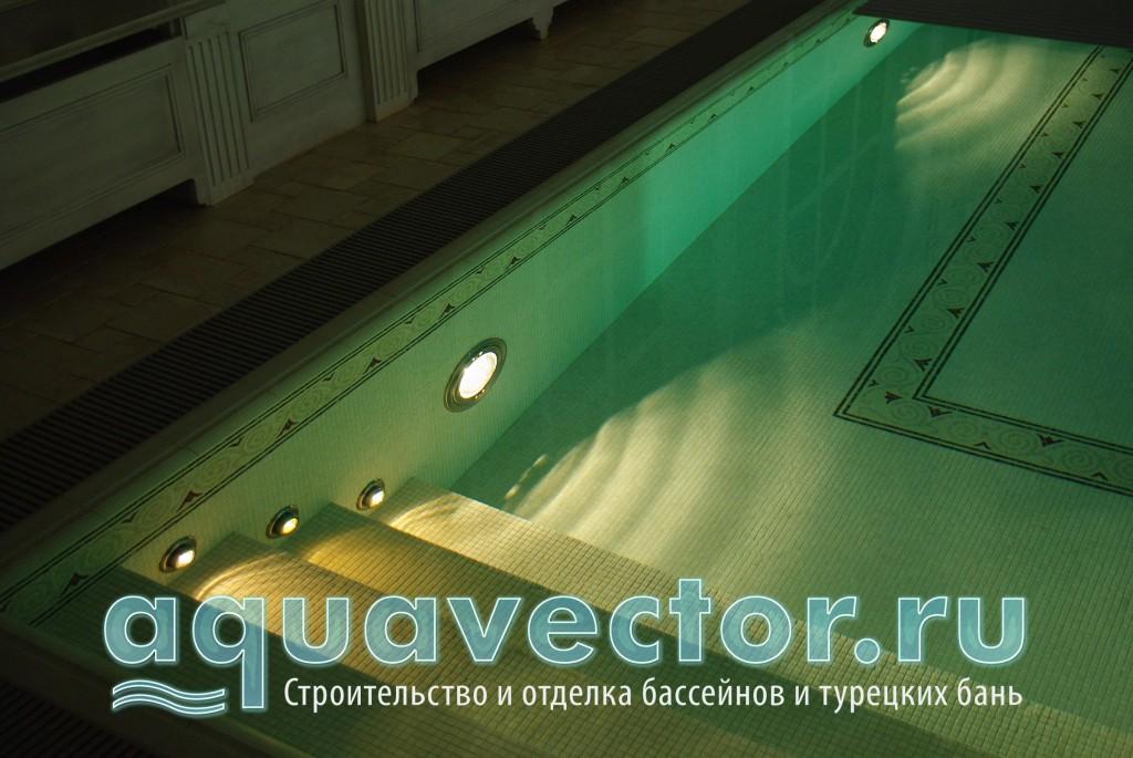 Подсветка ступеней в переливном бассейне