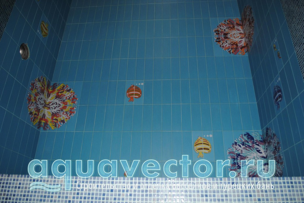 Элементы декора в плиточном бассейне