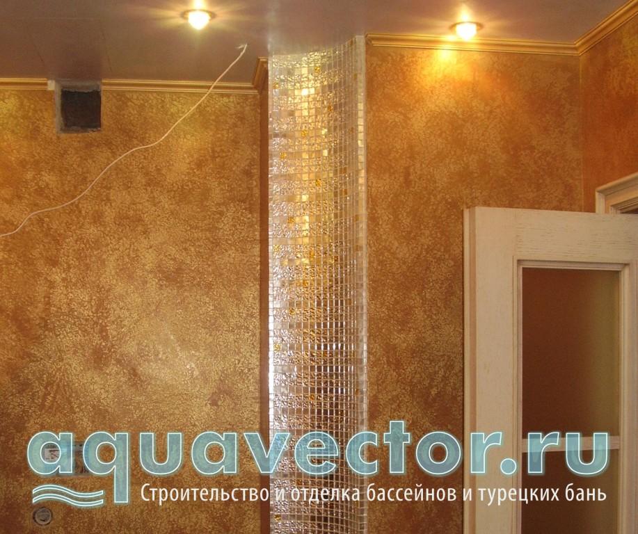 Полуколонна из золотой мозаики