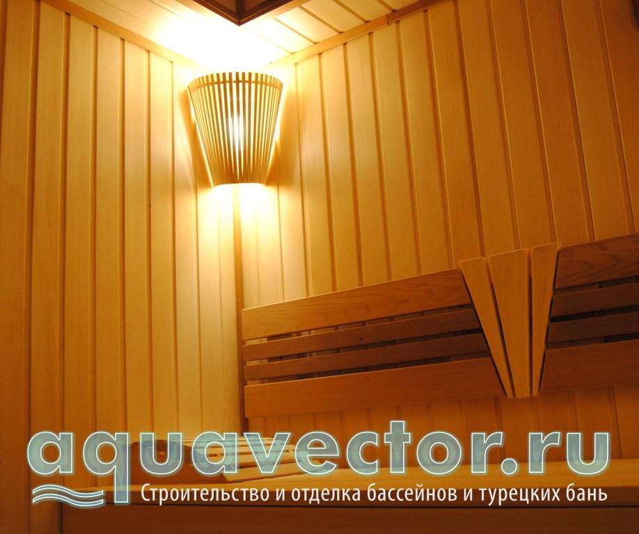 Угловой светильник в сауне