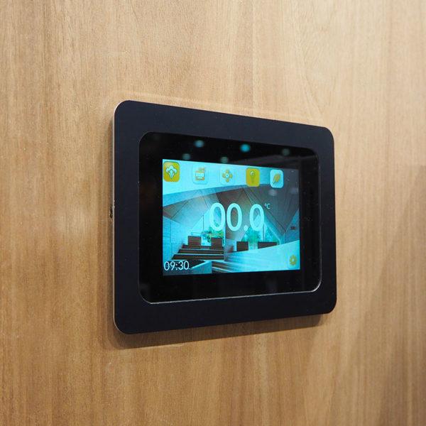Пульт управления Hygromatik Spa Touch Control в интерьере